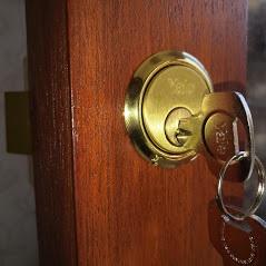 Yale door lock in Pathhead