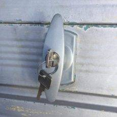 Henderson Garage t bar lock